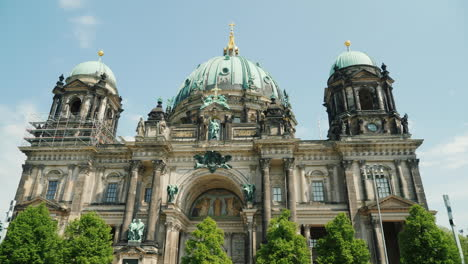 Berlin-Cathedral-On-A-Clear-Spring-Day