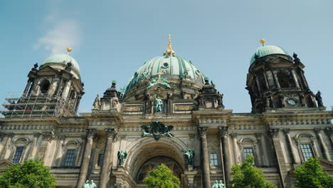Berlin-Cathedral-On-A-Clear-Spring-Day-Steadicam-Shot