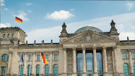 The-Bundestag-In-Berlin-On-A-Clear-Spring-Day-02
