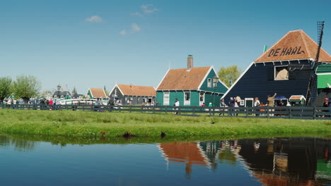 Traditional-Village-in-the-Netherlands