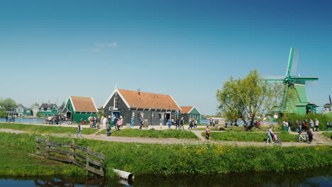 Old-Dutch-Houses-And-Mills