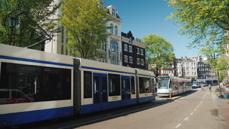 Public-Transport-In-Amsterdam