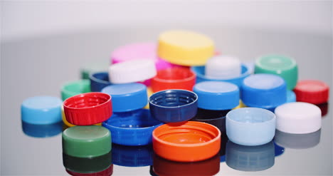 Few-Plastic-Bottle-Caps-Plastic-Processing-Recycling-Industry