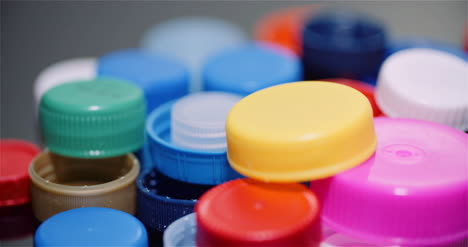 Few-Plastic-Bottle-Caps-Plastic-Processing-Recycling-Industry-1