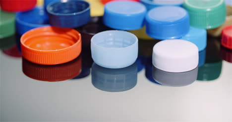 Few-Plastic-Bottle-Caps-Plastic-Processing-Recycling-Industry-10