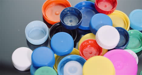 Few-Plastic-Bottle-Caps-Plastic-Processing-Recycling-Industry-12