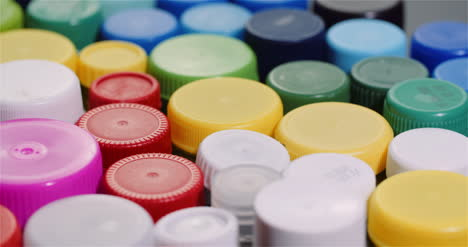 Few-Plastic-Bottle-Caps-Plastic-Processing-Recycling-Industry-4