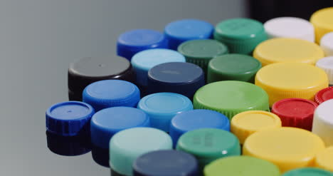 Few-Plastic-Bottle-Caps-Plastic-Processing-Recycling-Industry-5