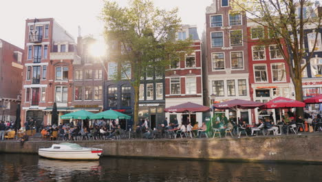 Street-Cafes-by-Amsterdam-Canal