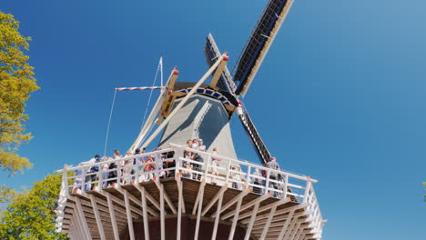 Tourists-on-Windmill-Observation-Deck