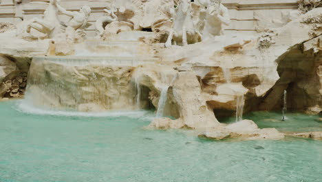 Trevi-Fountain-In-Rome-Italy