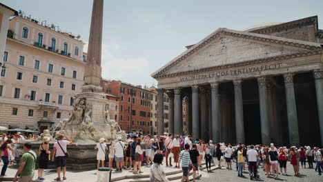 Pantheon-and-Fountain-in-Rome