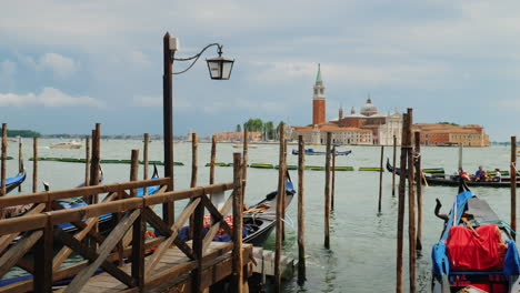 Venetian-Gondolas-and-Wooden-Posts