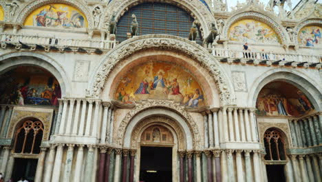 St-Marco-Basilica-with-Horse-Statues-Venice