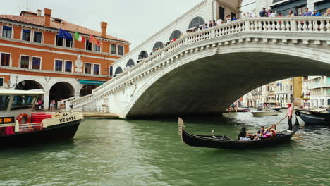 Boats-on-Venice-Grand-Canal