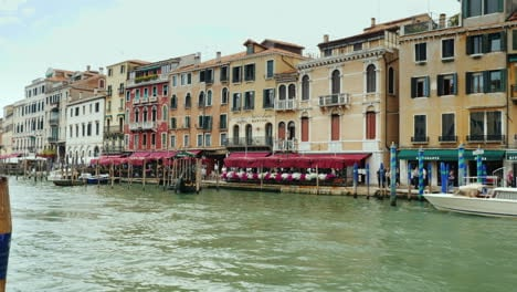 Venice-Grand-Canal-Restaurants-And-Boutiques