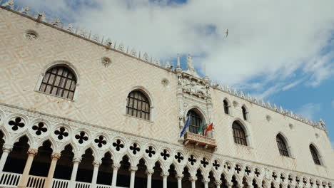 Facade-of-Doge-s-Palace-In-Venice