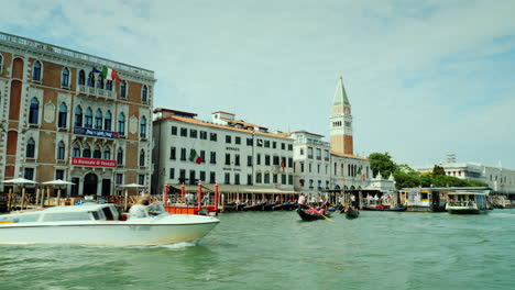 Boats-On-The-Grand-Canal-In-Venice