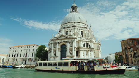 Church-On-Bank-Of-Venice-Grand-Canal