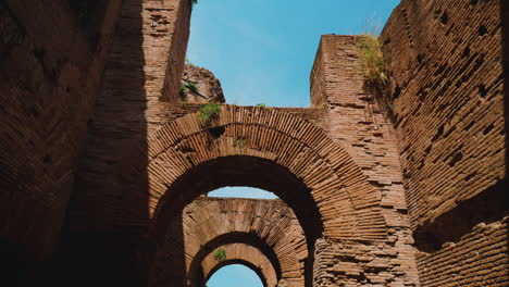 Corridor-of-Ruined-Arches-in-Roman-Forum