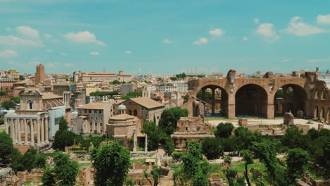 Ancient-Roman-Forum-in-Rome