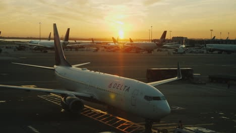 Planes-at-Sunset-JFK-International-Airport