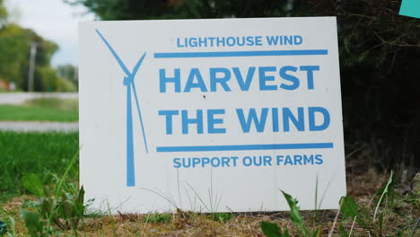Placard-in-Favour-of-Wind-Turbines