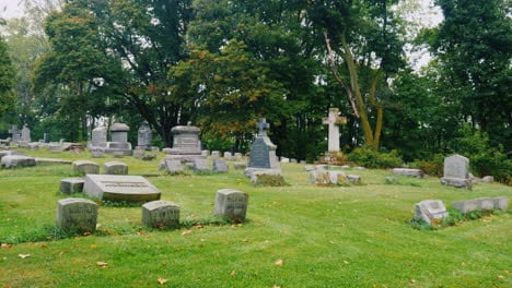 Cemetery-Gravestones-in-the-Fall