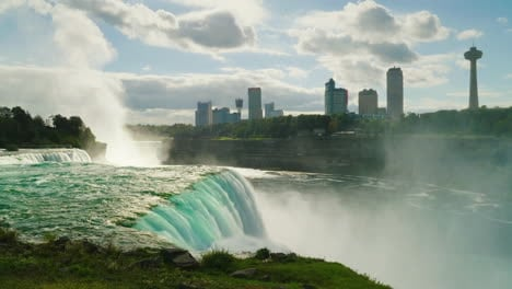 Canadian-Coast-Visible-From-Niagara-Falls
