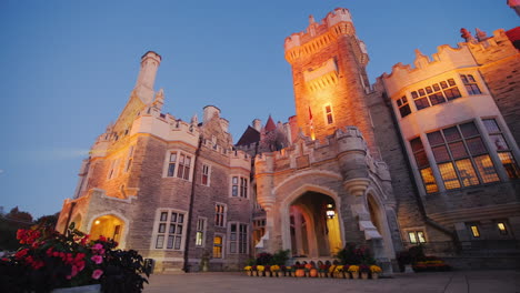 Casa-Loma-Castle-in-the-Evening
