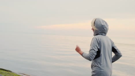 Woman-Jogging-on-Cold-Day