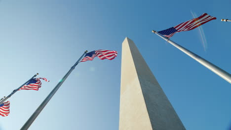 Washington-Monument-and-American-Flags