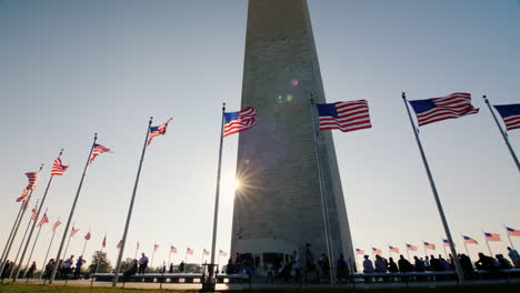 Visitors-at-Washington-Monument