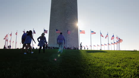 Visitors-Approach-Washington-Monument