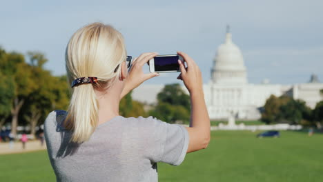 Woman-Photographs-Capitol-Building-DC