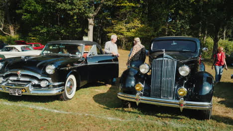 Men-Talking-at-Classic-Car-Show