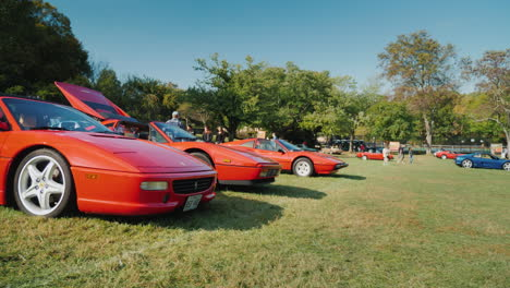 Ferrari-Cars-at-Car-Show