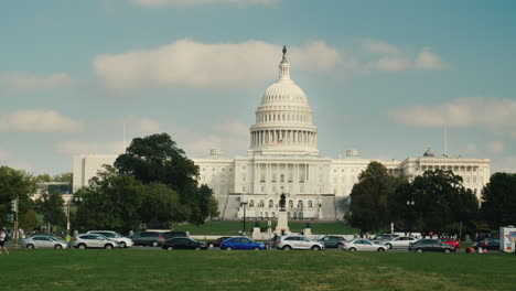 Cars-Pass-Capitol-Building-in-DC