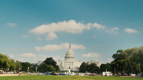 Capitol-Building-and-Lawn-in-Washington-DC