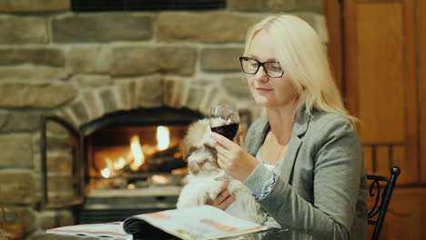 Woman-With-Wine-and-a-Dog