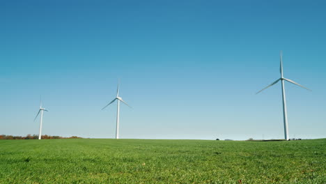 Wind-Turbines-in-a-Row