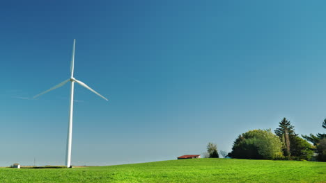 Wind-Turbine-Spinning-in-Green-Field