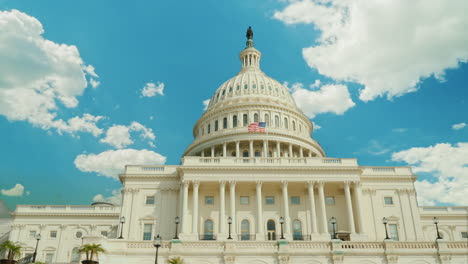 Clouds-Fly-Over-US-Capitol-Building-