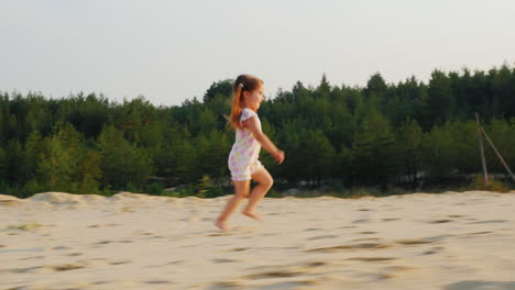 Happy-Cheerful-Girl-Runs-On-Sand-In-A-Forest-Happy-Childhood-Prores-Hq-422-10-Bit-Video