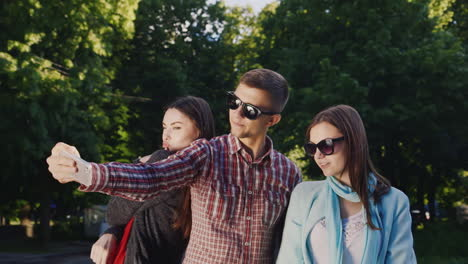 Group-Of-Young-Hipster-Sunglasses-Makes-Selfie-Hd-Video