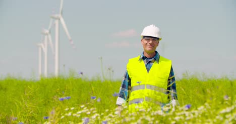 Wind-Turbine-Inspection-Renewal-Energy-Concept-5