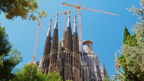 Steadicam-Shot-The-Famous-Sagrada-Familia-Temple-In-The-Summer