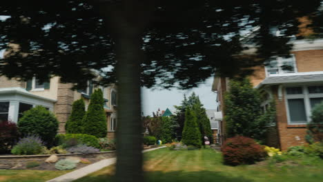 Typical-Architecture-Of-American-Country-Houses-And-Suburbs-Ride-Along-The-American-Neighborhood