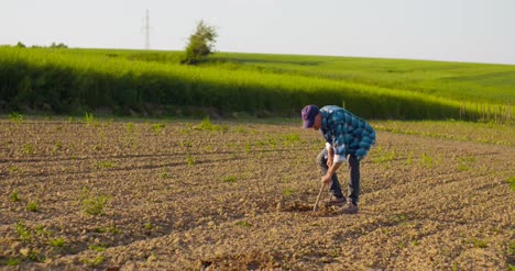 Extremely-Angy-Farmer-On-Farm-Agriculture-7