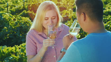 Couple-In-Love-Tasting-Wine-In-The-Vineyard-Wine-Tour